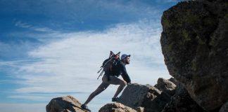 leo núi