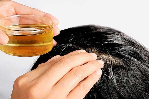 dưỡng tóc bằng dầu dừa