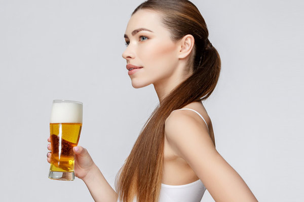 dưỡng tóc bằng bia