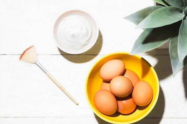 dưỡng tóc bằng trứng gà